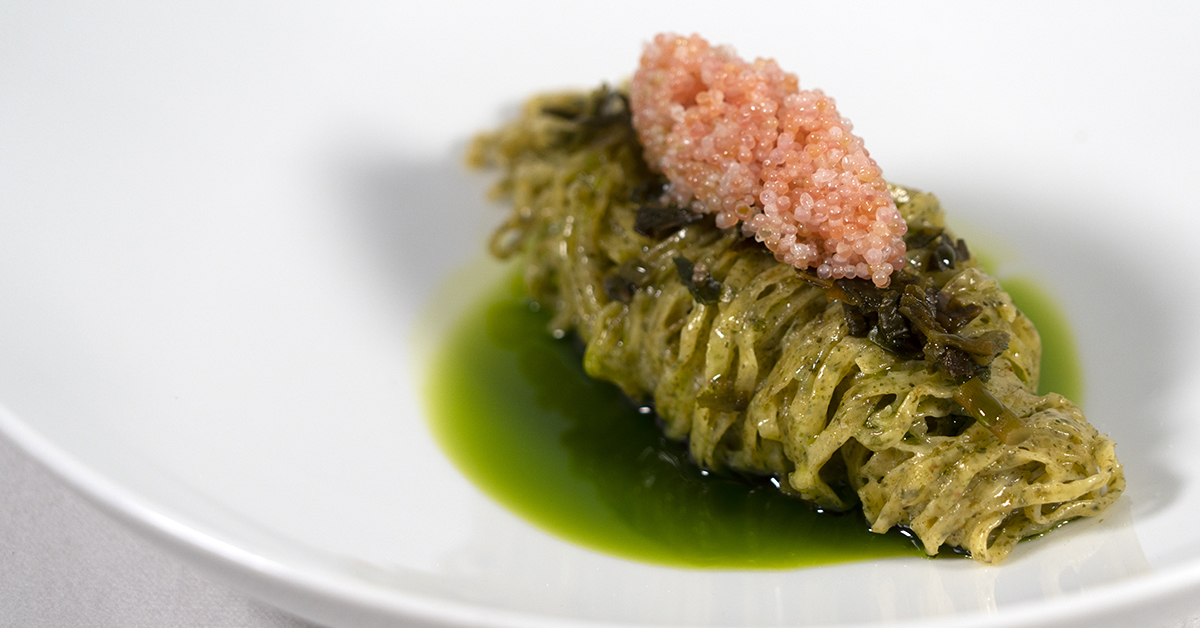 Pasta with seaweed and lumpfish roe