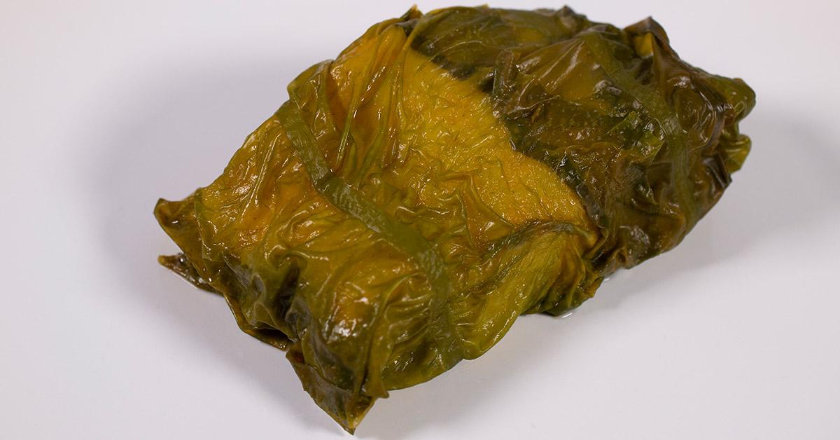 Cod baked in seaweed